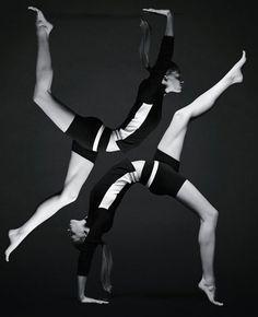 Spot publicitari de roba per a practicar yoga de Calvin Klein