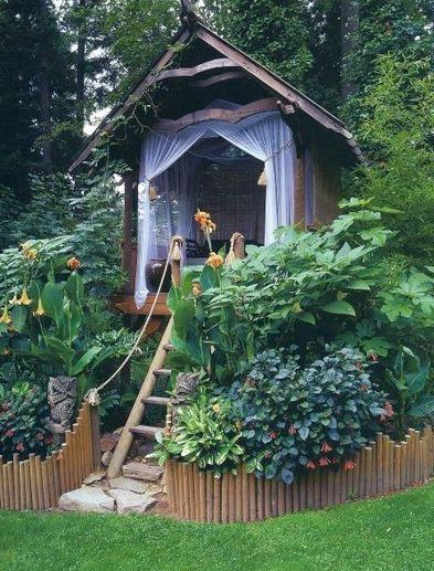 This outdoor reading nook screams adventure.