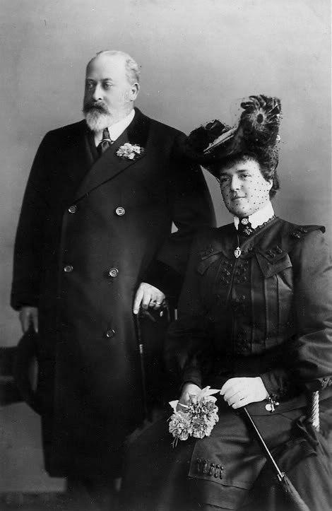 SM a Rainha D. Amélia de Portugal e o Rei Eduardo VII de Inglaterra.Casa Real: Orleães e Bragança Editorial: Real Lidador Portugal Autor: Rui Miguel
