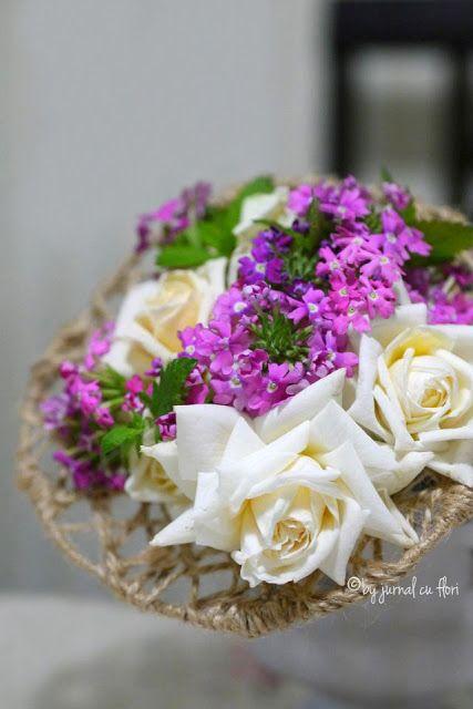 #buchet cu trandafiri albi si verbina #bouquet