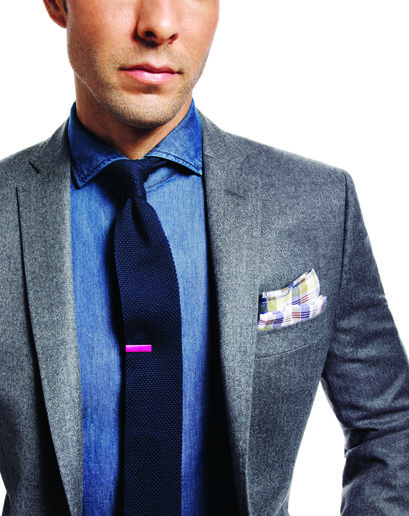 デニムシャツコーデメンズThe plaid pocketsquare is the perfect accent to the denim shirt and jacket #casual #chic