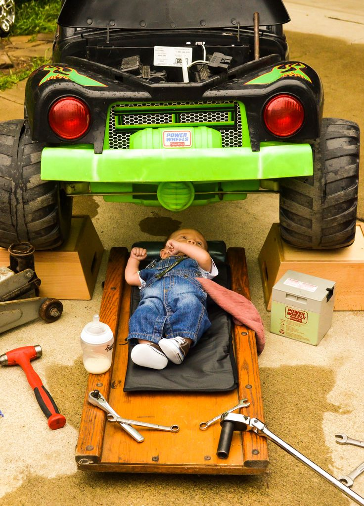 Baby mechanic photo shoot for Father's Day! looks a little dangerous...but...still cute