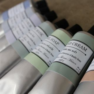 First you shampoo, then you add some conditioner, hand cream, shea butter and illuminator for that extra sparkle.  The Oil Paint Kit has all this and more... in one perfectly wrapped pack.