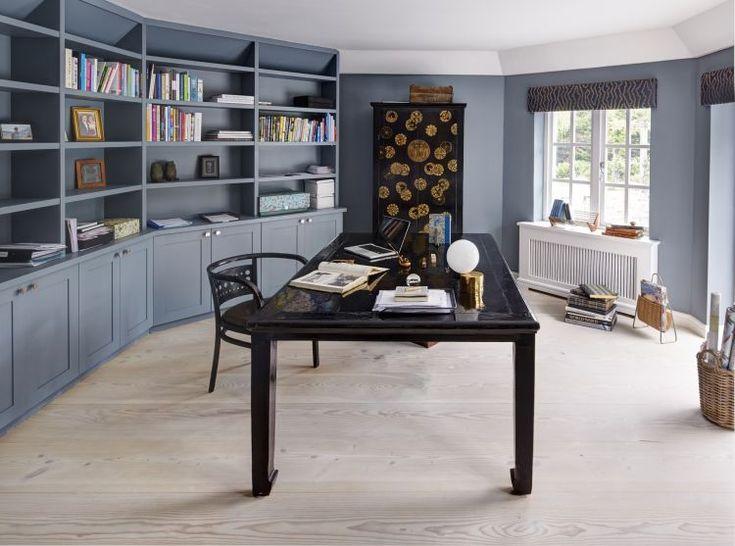 Прекрасный семейный дом Surrey VillaA на юге Англии в графстве Суррей был спроектирован талантливыми дизайнерами Ebba Thott и Nina Hertig, основателями студии Sigmar