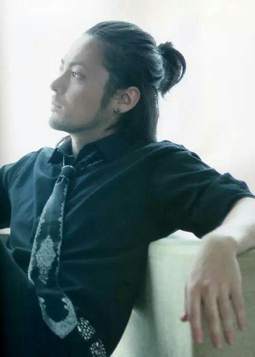 Yamada Takayuki as Serizawa Tamao   Crows Zero