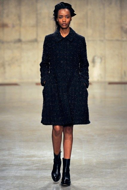 Simone Rocha - www.vogue.co.uk/fashion/autumn-winter-2013/ready-to-wear/simone-rocha/full-length-photos/gallery/934660