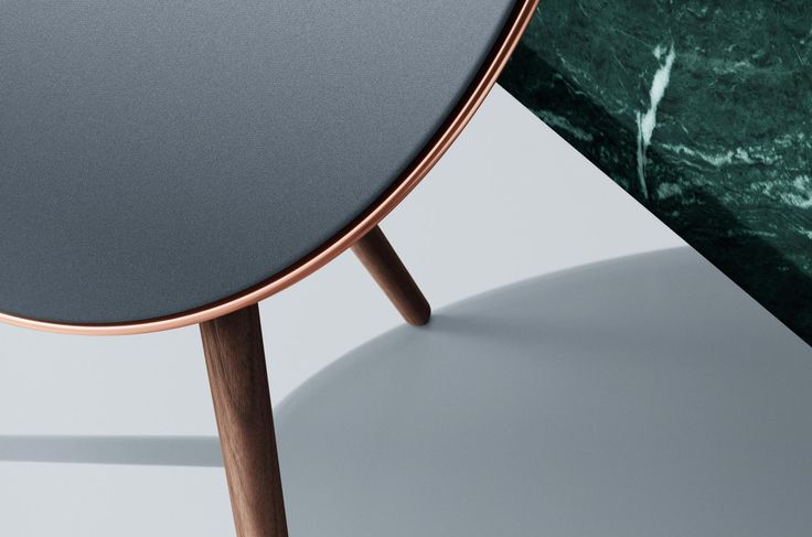Looks like a piece of furniture: the music system BeoPlay A9 from Bang & Olufsen (Love Affair Collection)