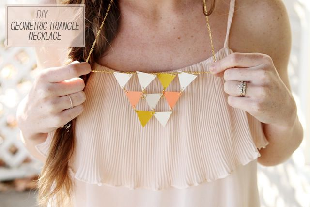 DIY Geometric Triangle Necklace from Sincerely KinseyPainting Samples, Triangles Necklaces, Painting Chips, Statement Necklaces, Paint Chips, Painting Swatches, Diy Necklaces, Diy Projects, Geometric Necklaces
