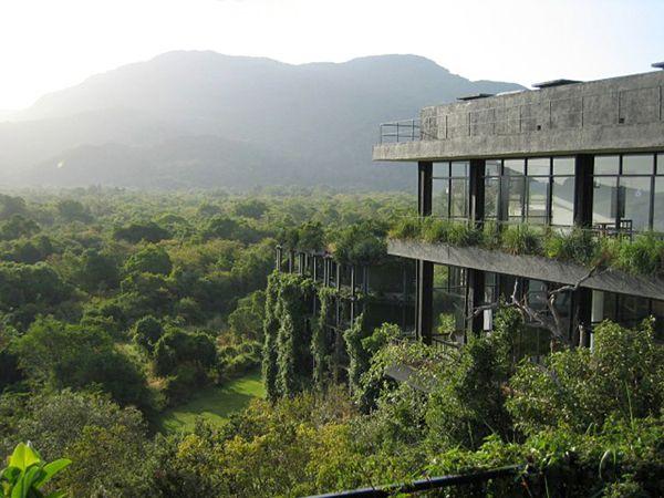 Geoffrey Bawa: Kandalama Hotel, Sigiriya, Sri Lanka