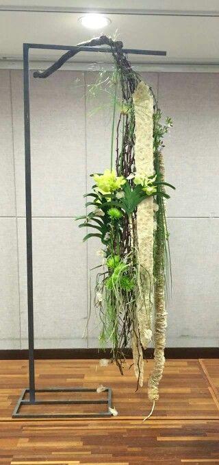 Hangend bloemstuk