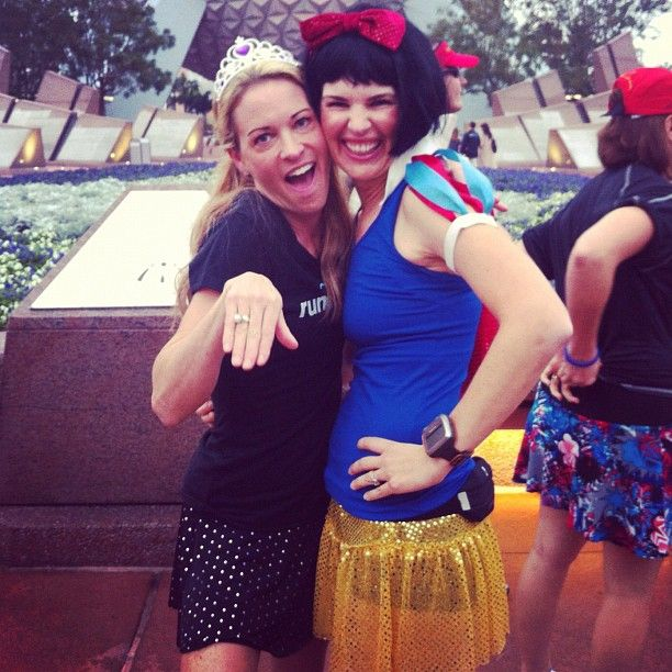 Kelly @according2kelly and Suzy Favor Hamilton @favorhamilton at the #tangledk #rundisney #fitfluential
