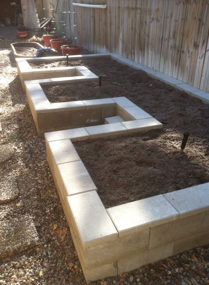 Do you need a fence that does not make you broke? Find out exactly how to constr…
