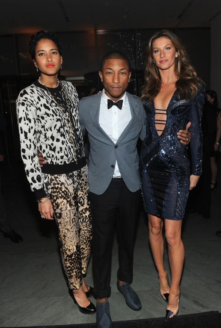 Lucky man. Pharrell Williams attends WSJ. Magazine's Innovator of the Year Awards with wife Helen Lasichanh and Gisele Bündchen on his arms on Nov. 6 in New York: Magazine Innovation, Leopards Prints, Gisele Bundchen, Helen Lasichanh, Helenlasichanh Pharel, Magazines Covers, Magazines Innovation, Pharrell Williams, Wsj Magazines