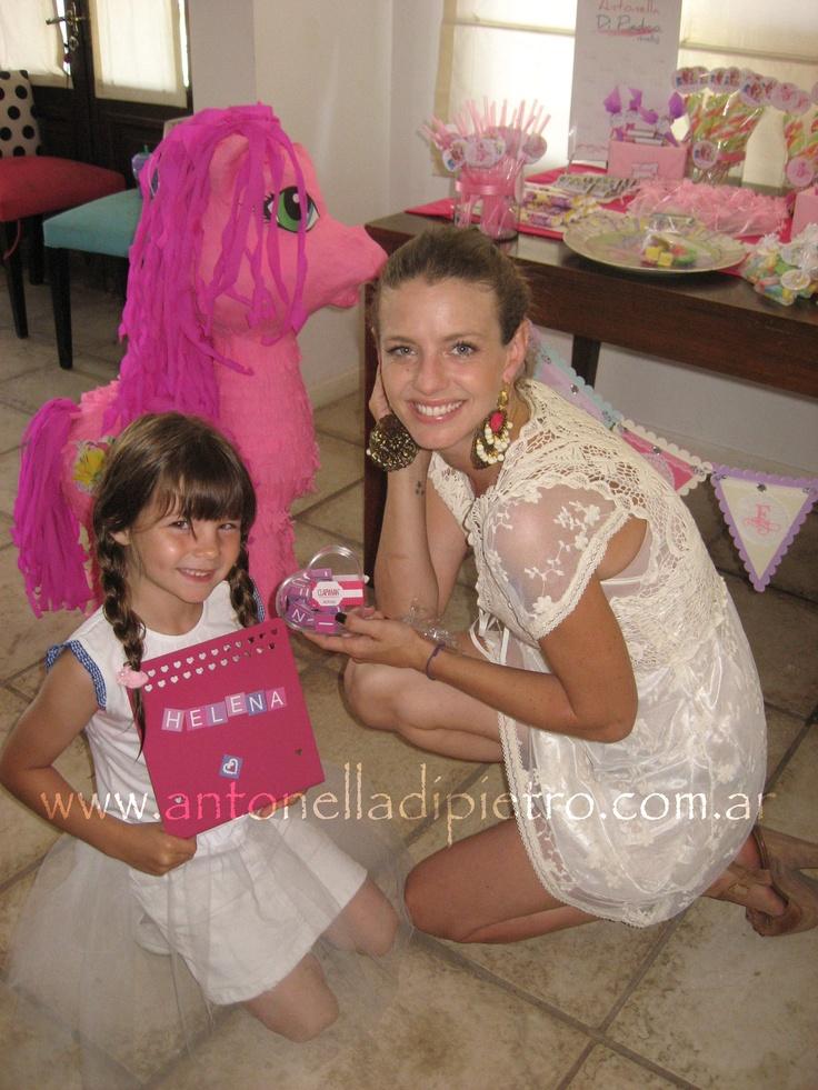 Cumple de Helena la hija de la modelo Geraldine Neumann http://antonelladipietro.com.ar/blog/2011/11/littlepony-party/