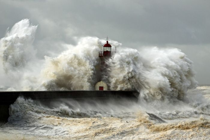 An der Nordsee kommt es am Wochenende wahrscheinlich zu einer stärkeren Sturmflut und starken Wellen.