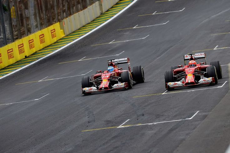 Kimi and Fernando battle for 6th place!