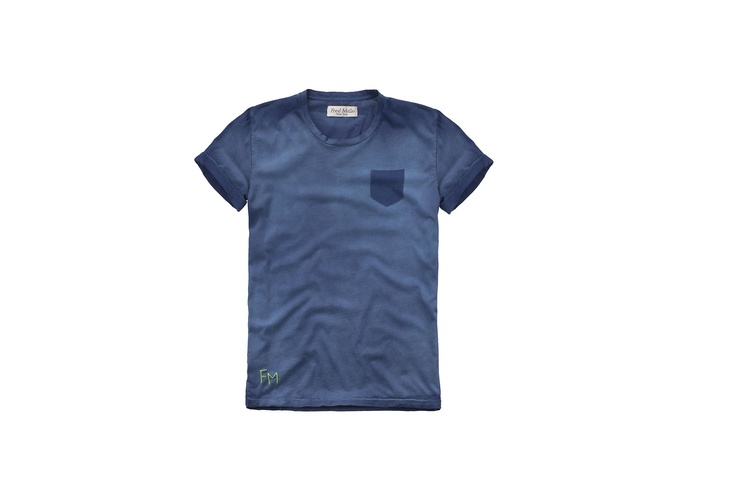Fred Mello in blu #basiclabel #fredmello #fredmello1982 #newyork #accessories#springsummer2013 #accessible luxury #cool #usa #mancollection#logo#blu#tshirt