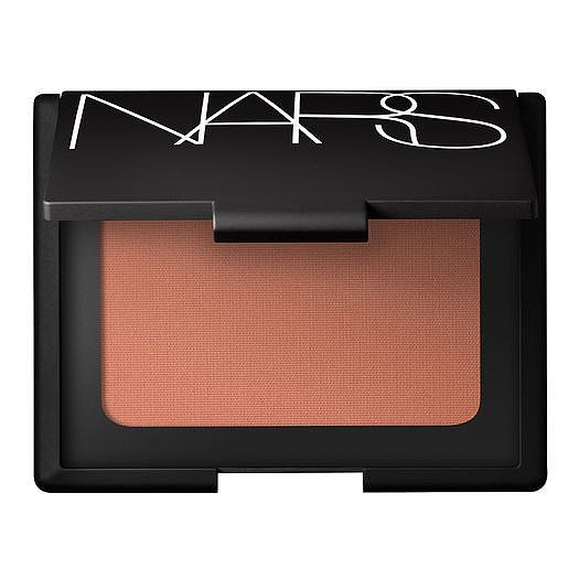 8 Best Recommended Bronzers For Fair Skin  http://www.ferbena.com/8-best-recommended-bronzers-fair-skin.html