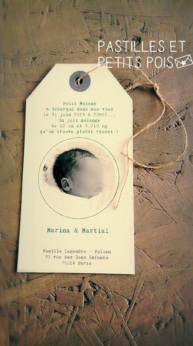 LE PETIT MOT : Un faire-part naissance créatif format étiquette bagage avec petit lien, motif de fond, et typo machine à écrire !