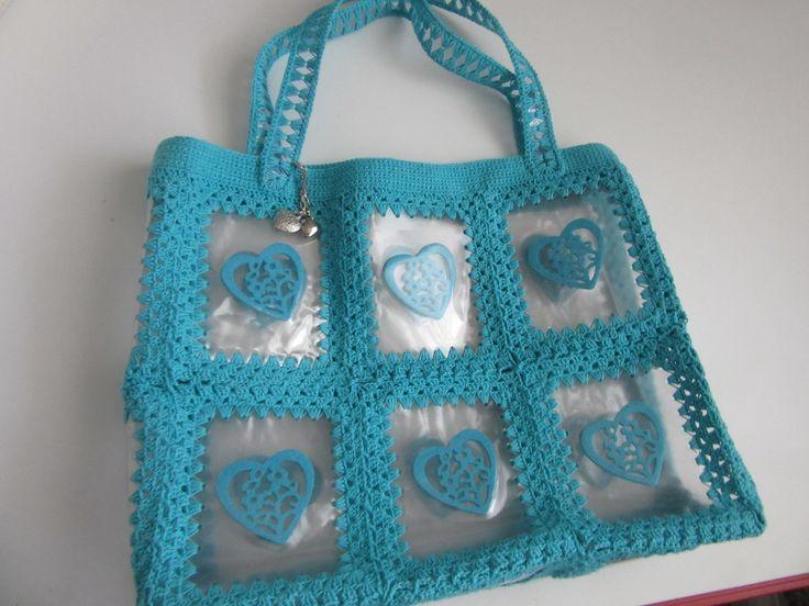 Door mij (Marjo van 't Hof) gehaakte en ontworpen transparante tas