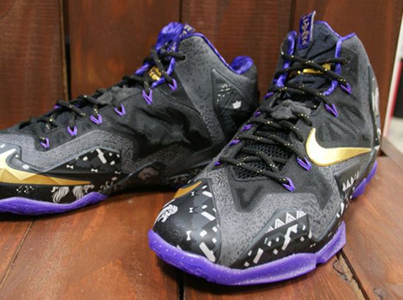 Nike LeBron 11 BHM Anthracite Metallic Gold Purple Venom