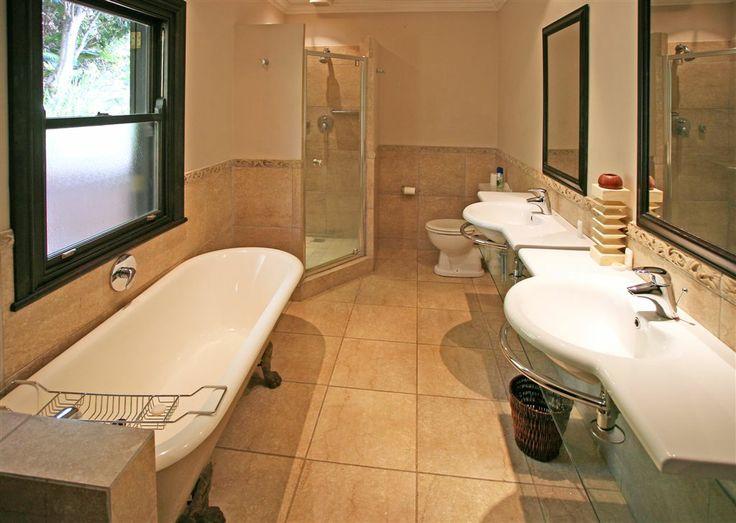 Beachwood 6, Luxury Villa, Zimbali Coastal Resort, KwaZulu Natal, South Africa. Beautiful interior finishes. Bathroom.