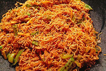 Asiatisch-gebratene-Nudeln-suess-scharf-vegetarisch