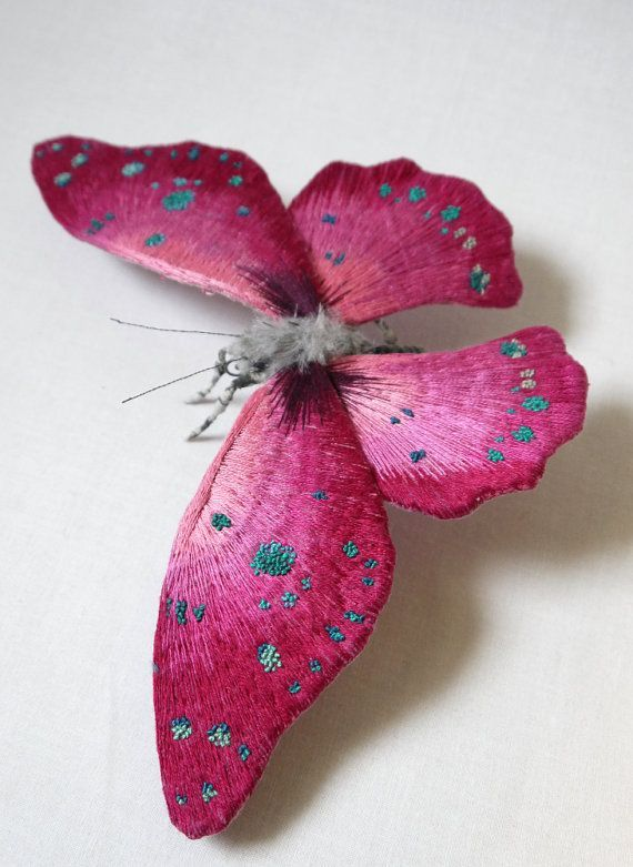 """Ткань скульптура Большой пурпурный цвет бабочки по irohandbags Etsy 6х9 """"тела сделаны из искусственного меха Он окрашен рука об руку с вышитыми детали можно отобразить как отдельно стоящие скульптуры..:"""