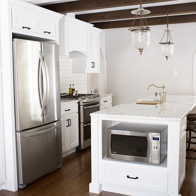 Off White Kitchen Cabinets With White Trim: Kitchen With White Cabinets And Marble Kassandra Zobrist