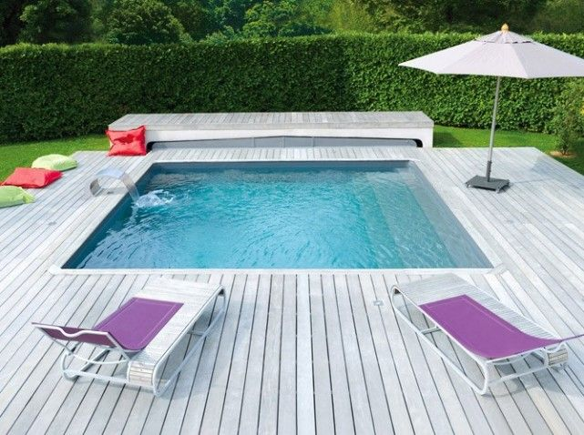 piscine carree love it, deck with a plunge pool, even small gardens can have a pool