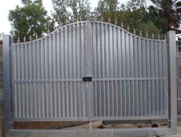 Cancello artigianale in ferro