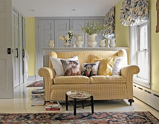 Cottage Furniture   Traditional Sofa Sofa Pillows