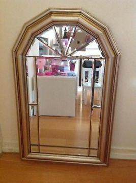 Deze spiegel bekijkt je vanuit alle hoeken!