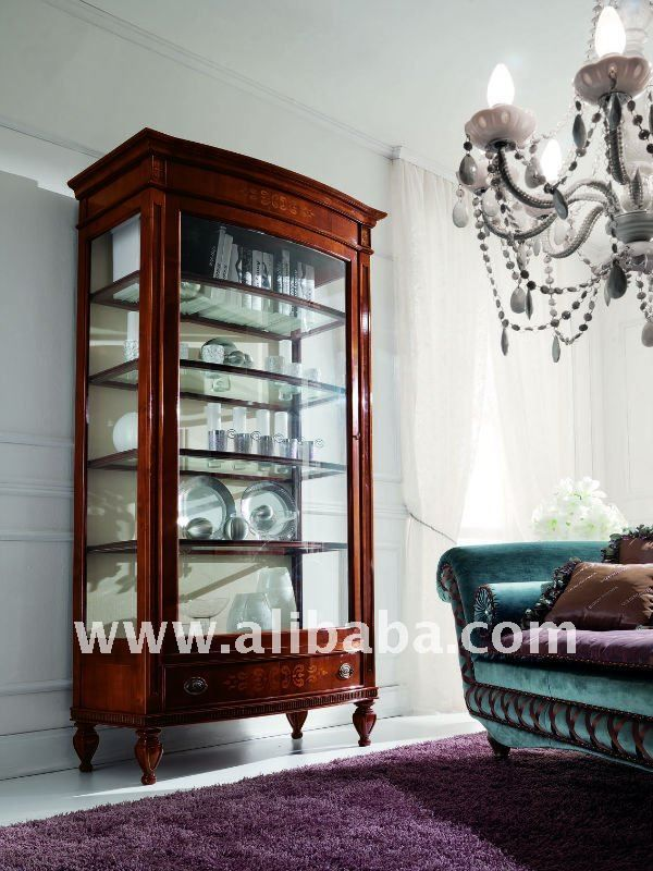 Glass curio cabinet with 1 large door