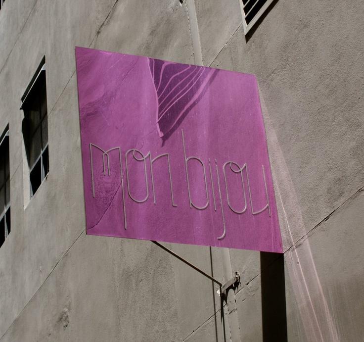 mon bijou, melbourne laneways, pink signage