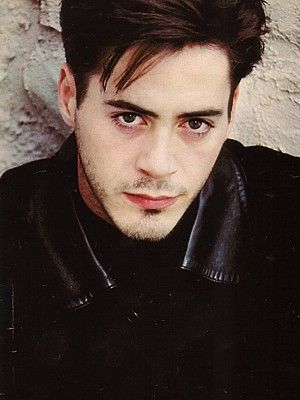 Robert Downey Jr. So young, So pretty.