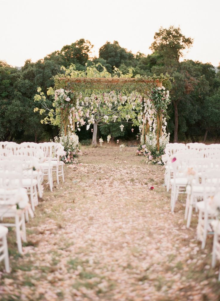Elegant provence wedding full of romance beautiful for Wedding walkway