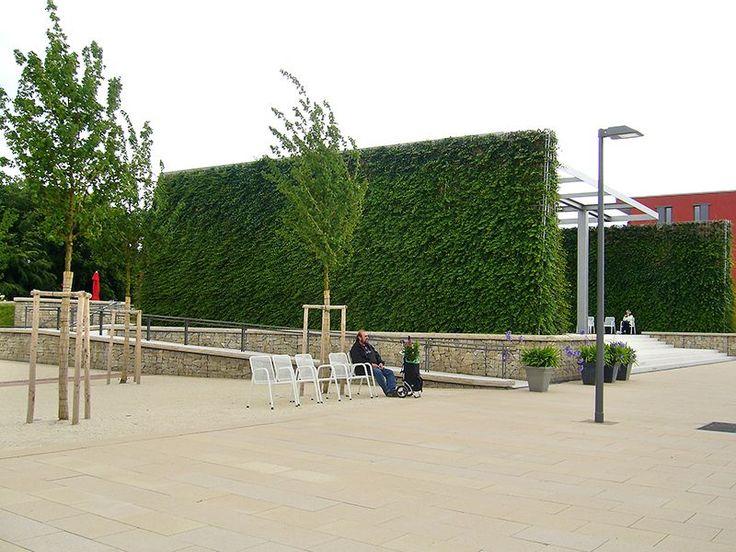 Neu-Ulm, Green Noise Barrier 'Helix® Robusta'