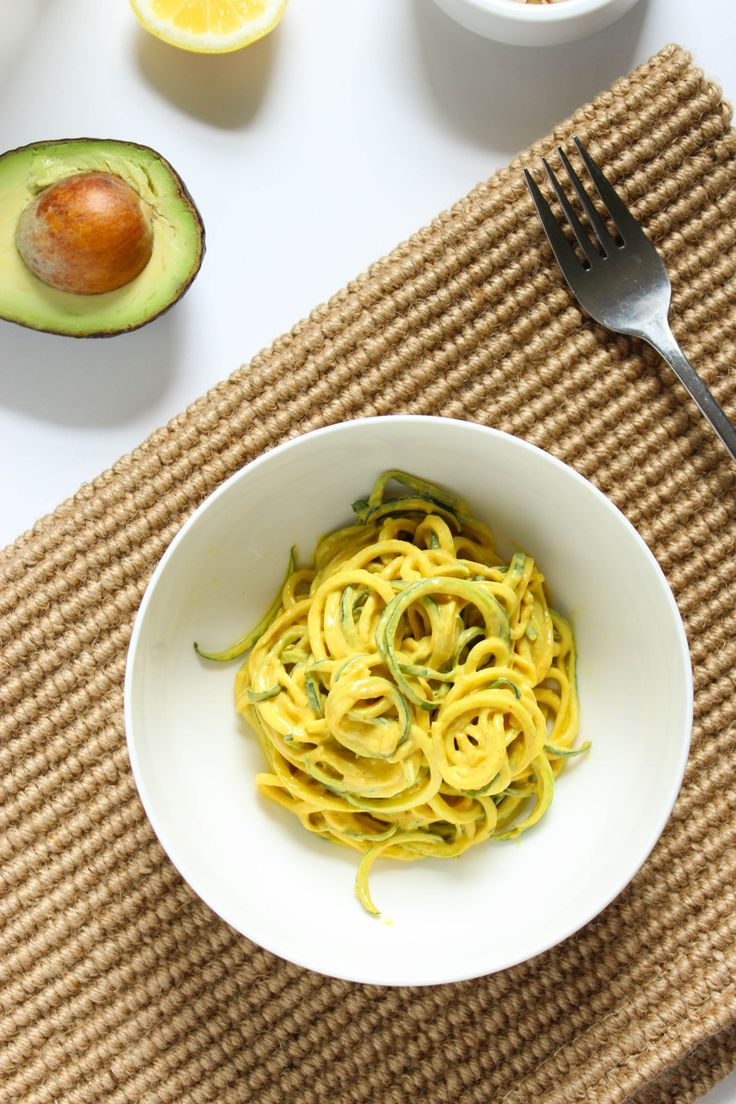 10-Minute Raw Vegan Curry over Zucchini Noodles