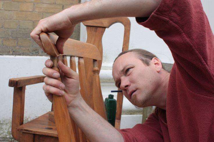 Furniture Repair presents an assorted range of quality and Wooden Furniture Repair and We Repair all type of  Office  and Domestic furniture Repair in Kolkata.http://furniturerepair.in/index.html