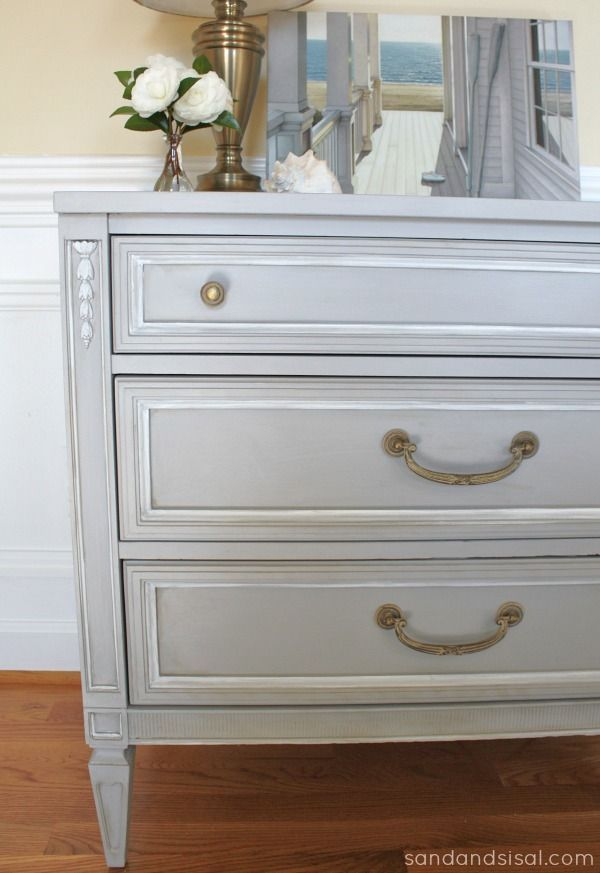 Great instructions for how to use clear and white wax on furniture revamps. Beautiful transformation from Kim at Sand and Sisal.