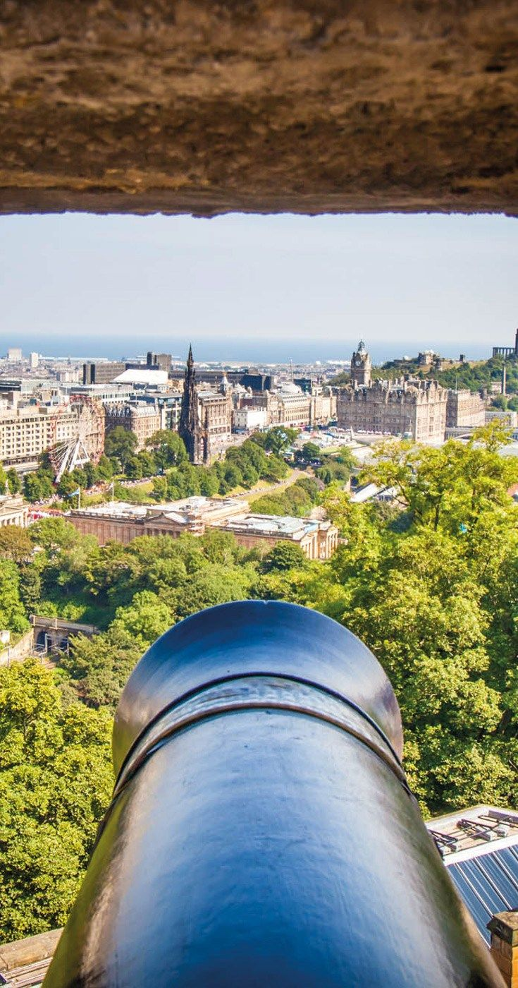 Edinburgh Festivals Budget Accommodation and Guide