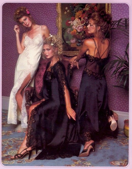 1000 images about 1970s sleepwear lingerie on for Bella flora chaise lounge