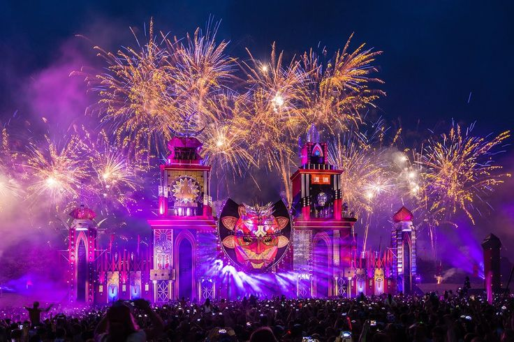 Defqon.1 Weekend Festival 2014 | Official Endshow on Saturday  SICK SHOW!!!!!