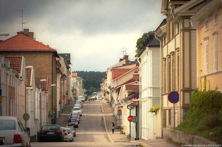 Street in Hudiksvall (via kiwibirdproductions.com)