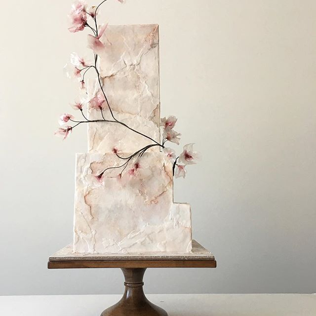 Cake Modern Art : 25+ Best Ideas about Modern Cakes on Pinterest Modern ...