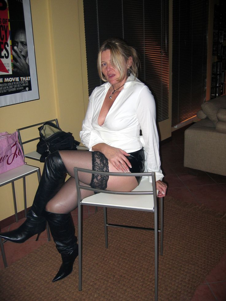 Sexy Mature Women In Boots  Sexy Ladies-9007