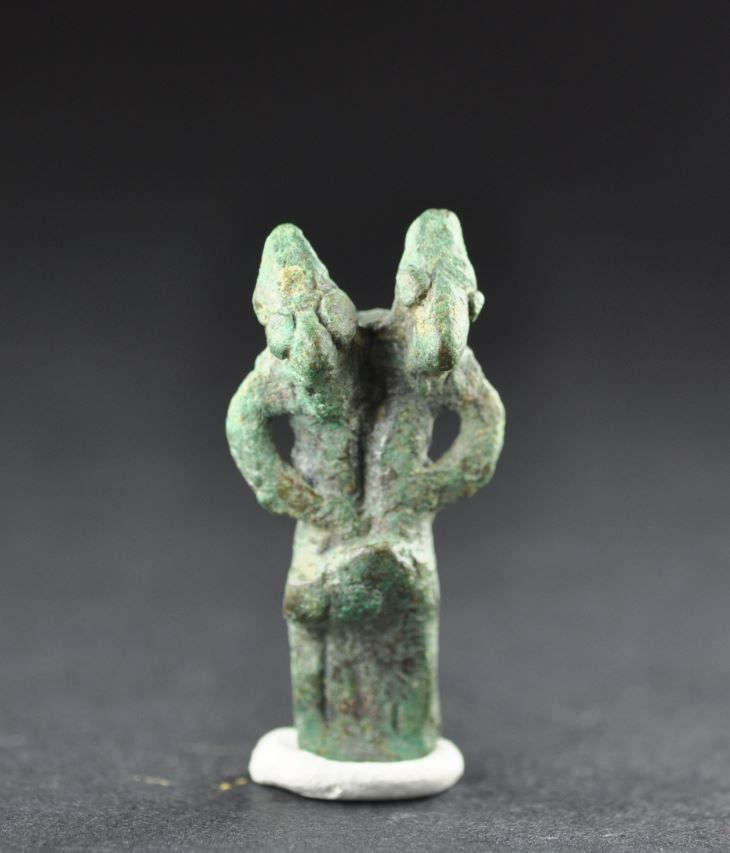 Intercourse between man and woman, Amlash bronze fugurine 18, 1st millenium B.C. Private collection