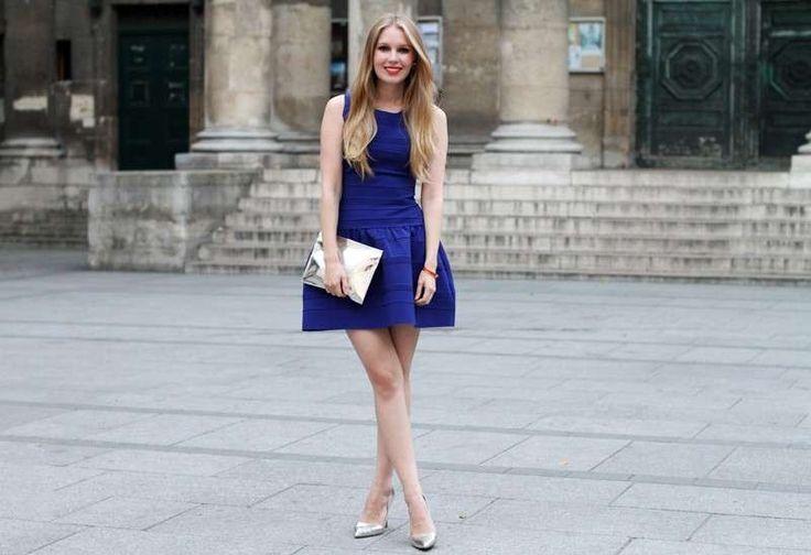 Smalto da abbinare a vestito blu house
