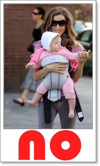 Si buscas una postura sana para tu bebé, entonces no lo lleves hacia delante en portabebés.  *La posición de cara al mundo no  brinda el soporte  necesario a la columna del bebé, la cual está en pleno crecimiento y desarrollo.